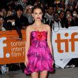 La magnifique Natalie Portman surmaquillée fait mal aux yeux, à l'occasion de la présentation de  Love and other impossible pursuits , lors du 34e Festival International du Film de Toronto, le 16 septembre 2009 !