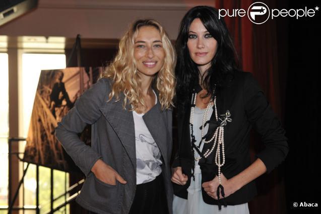 Alexandra Golovanoff et Mareva Galanter lors de la conférence de presse de rentrée de Paris Première le 17 septembre 2009