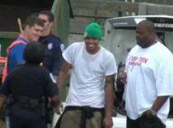 Chris Brown purge sa peine... avec le sourire ! C'est rageant ! Regardez !