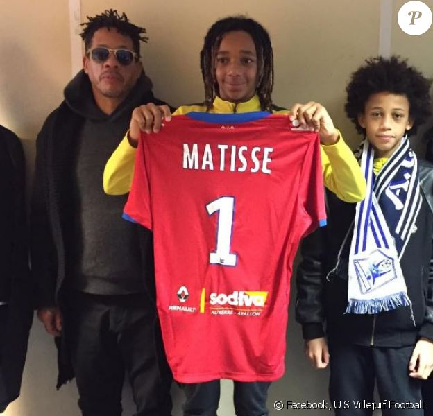En février 2019, Matisse Morville s'est engagé avec l'AJ Auxerre. Son père JoeyStarr et sa maman Leïla Dixmier étaient tous les deux présents le jour de la signature du contrat.
