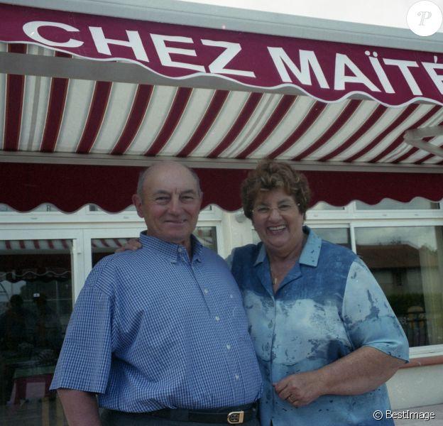 """Le restaurant de Maïté """"Chez Maïté"""" à Rion des Landes en liquidation judiciaire vient de fermer fin avril 2015. Sur les photos en compagnie de son mari et aussi avec ses petits-enfants en mai 2003."""