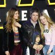 Anais Gallagher, Sara Macdonald, Noel Gallagher à Londres le 16 décembre 2015.