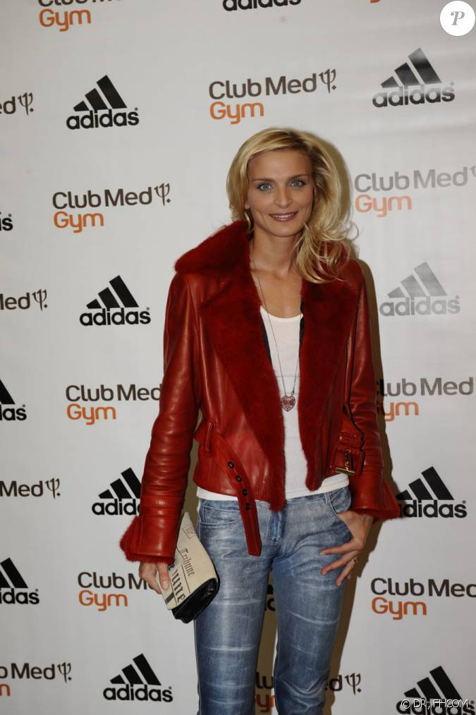 sarah marshall aux 30 ans du club med gym chez adidas le 17 septembre 2009. Black Bedroom Furniture Sets. Home Design Ideas
