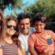 Jean-Pascal Lacoste avec Delphine Tellier et ses enfants, le 21 septembre 2020