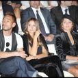 Ideoshi Nakata et Emma de Caunes au défilé Giorgio Armani lors de la Fashion Week italienne à Milan le 24 septembre 2009