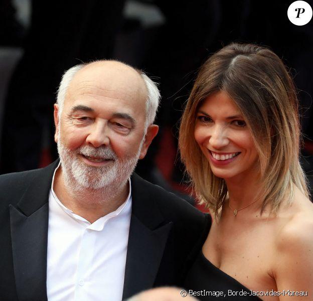 """Gérard Jugnot et sa compagne Patricia Campi - Montée des marches du film """"Twin Peaks"""" lors du 70e Festival International du Film de Cannes. © Borde-Jacovides-Moreau/Bestimage"""