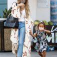 Exclusif - Chrissy Teigen (enceinte) , son mari John Legend et leurs enfants lors d'une sortie shopping à Los Angeles le 7 septembre 2020.