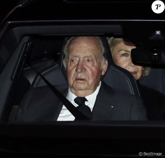 Le roi Juan Carlos Ier et la reine Sofia d'Espagne - La famille royale d'Espagne se recueille après le décès de l'Infante Maria del Pilar de Bourbon à Madrid