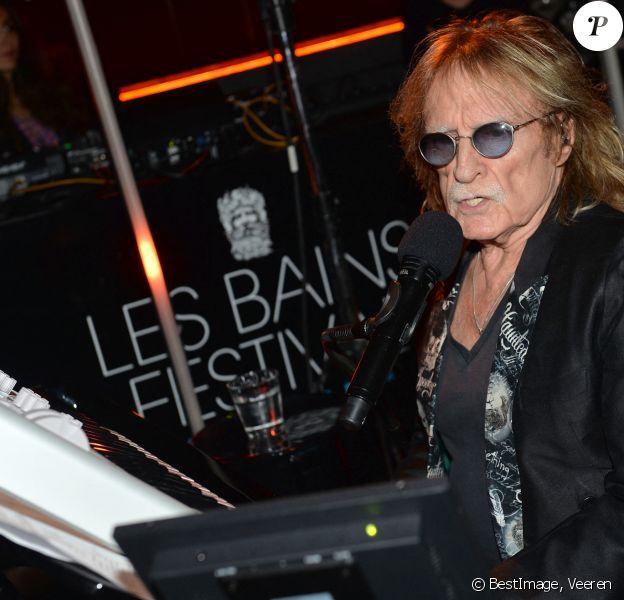 Concert privé du chanteur Christophe (Daniel Bevilacqua) lors du festival des Bains à Paris © Veeren/Bestimage