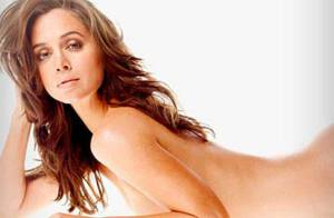 La magnifique Eliza Dushku... dans le making of de son shooting le plus hot !