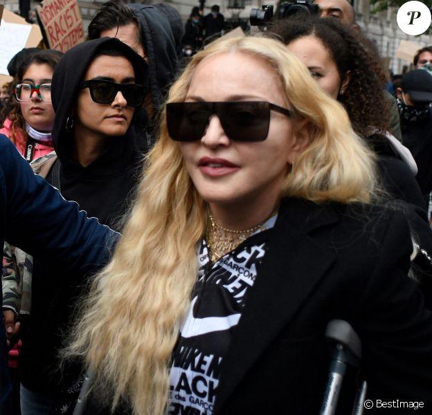 Madonna participe à une manifestation à Londres lors du mouvement Black Lives Matter rally en hommage à George Floyd et contre les violences policières.