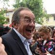 """Info - Jean-Pierre Pernaut va quitter le 13h de TF1, qu'il présente depuis 1988 - Jean-Pierre Pernaut lors du tournage de l'émission """"Votre plus beau marché de France"""" à Montbrison. © Frédéric Chambert / Panoramic / Bestimage"""