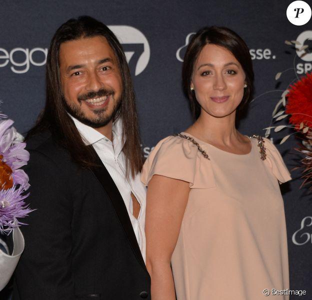 Moundir et sa femme Inès - Photocall de la 10ème cérémonie des Globes de Cristal au Lido à Paris, il y a cinq ans.
