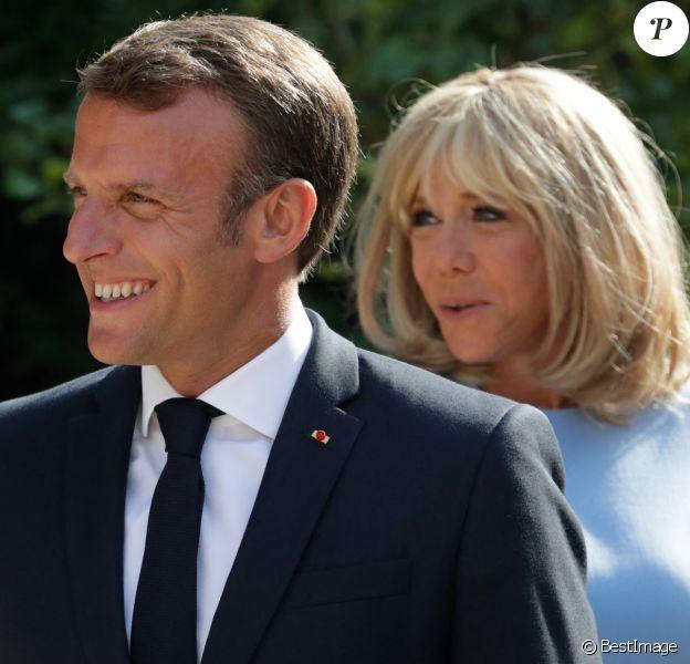 Le président de la République française Emmanuel Macron et sa femme la Première Dame Brigitte Macron - Le président de la République française reçoit le président de la fédération de Russie au fort de Brégançon, à Bormes-les-Mimosas.
