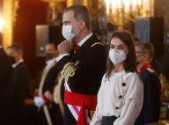Letizia d'Espagne sobre en look noir et blanc pour une célébration avec Felipe
