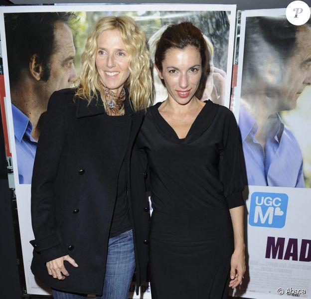 Sandrine Kiberlain et Aure Atika lors de la première de Mademoiselle Chambon à Paris le 13 octobre 2009