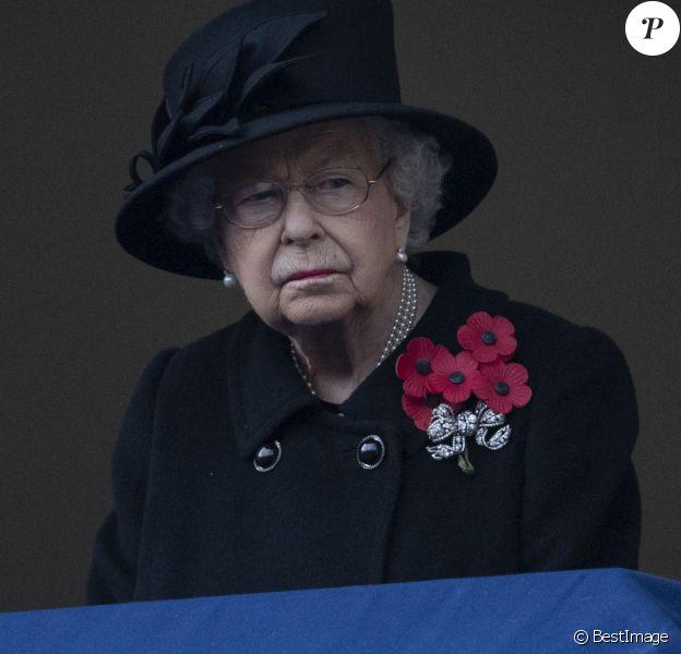 La reine Elisabeth II d'Angleterre lors de la cérémonie de la journée du souvenir (Remembrance Day) à Londres.
