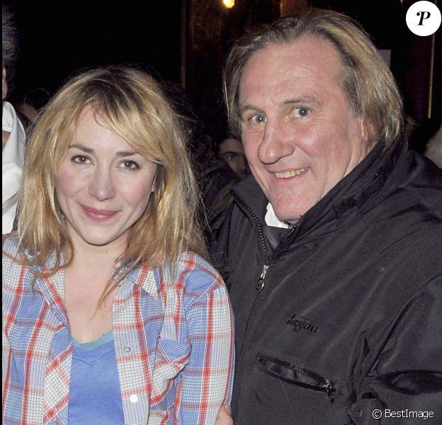 """Julie Depardieu et son père Gérard Depardieu - Première du téléfilm """"Bernard Henri Levy, la déraison dans l'histoire"""" tourné pour France 5 au Cinéma La Pagode. Paris."""