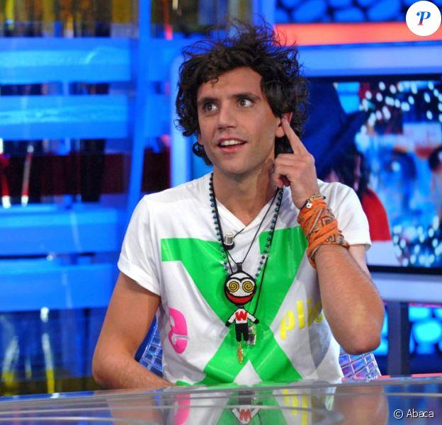 Mika sur le plateau d'un show télé espagnol, le 6 octobre 2009