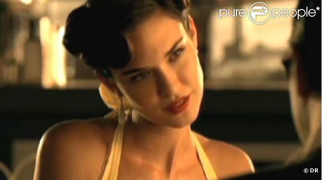 Odette Yustman, guest star du nouveau clip de Weezer