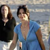 Courteney Cox : En bikini blanc, l'actrice de 45 ans est... magnifique et naturelle ! Impressionnant !
