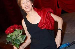 Jane Birkin au top du glamour... vous fait partager sa joie !