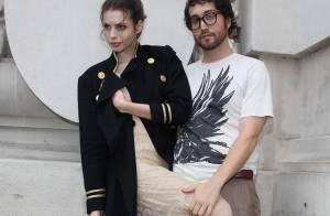 Sean Lennon et Charlotte Kemp Muhl : des amoureux très complices... pour une séance photo divine !