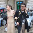 Sean Lennon et Charlotte Kemp Muhl à la sortie du défilé Chanel à Paris, ont volé la vedette aux mannequins !