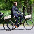 Le prince Harry, duc de Sussex fait du vélo dans le cadre de son déplacement à La Haye pour les Invictus Games. Le 9 mai 2019.