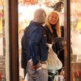 Mickey Rourke et sa charmante et jeune petite amie, à l'occasion de l'illumination de West Village, à New York, le 26 octobre 2009 !