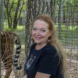 Carole Baskin, fondatrice de Big Cats Rescue, recueille des animaux élevés en captivité qui ne peuvent plus retourner à l'état sauvage le 18 mars 2020 à Tampa, Floride.