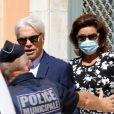 Bernard Tapie et sa femme Dominique Tapie - Mariage civil de Sophie Tapie et Jean-Matthieu Marinetti à la mairie de Saint-Tropez.