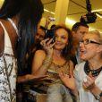 Le top model Naomi Campbell et et la créatrice américaine Diane Von Furstenberg à l'exposition L'itinéraire d'une robe - rétrospective de la créatrice américaine Diane Von Furstenberg - au Manège de Moscou le 1er novembre 2009