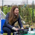"""Catherine (Kate) Middleton, duchesse de Cambridge lors d'une visite au projet """"Cheesy Waffles"""" au centre Belmont Community à Durham, Royaume Uni, le 27 avril 2021."""