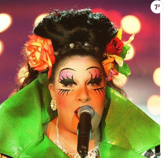 En 1991 Marianne James avec son maquillage délirant d'Ultima Recital