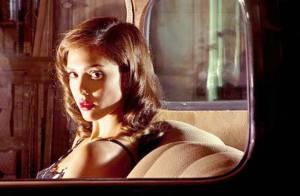 Regardez la belle Jessica Alba nue et malmenée... face au redoutable Casey Affleck !