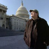 """Regardez le terrible extrait du nouveau brûlot de Michael Moore : """"Capitalism : A love story""""..."""
