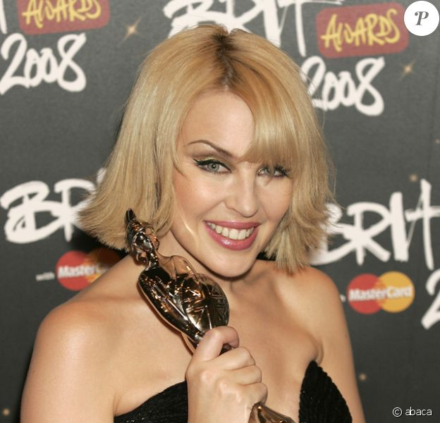 Kylie Minogue aux Brit Awards 2008