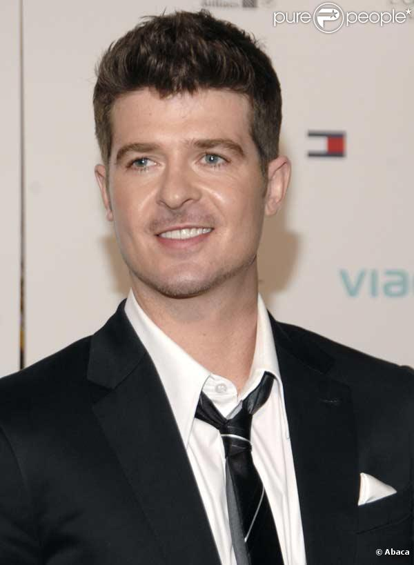 Robin Thicke - New Photos
