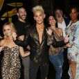 Frankie Grande à Los Angeles avec ses amis, le 23 octobre 2019.
