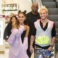 Ariana Grande et Frankie J. Grande arrivent dans un magazin de Piccadilly Circus. Londres. @ Daniel Leal-Olivas/PA Wire/ABACAPRESS.COM