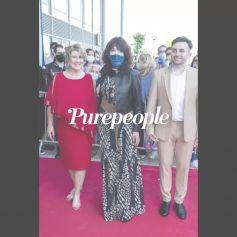 Isabelle Adjani star du tapis rouge face à une Enora Malagré en tenue très colorée au Festival Plurielles