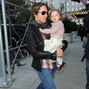 Keith Urban s'occupe de son adorable Sunday Rose... le parfait sosie de sa sublime maman... Nicole Kidman !