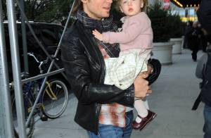 Keith Urban s'occupe de son adorable Sunday Rose... le parfait sosie de sa sublime maman... Nicole Kidman !