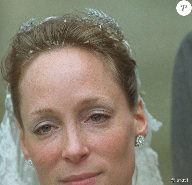 La Princesse Margarita de Bourbon-Parme en 2001 lors de son 1er mariage