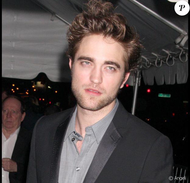 Robert Pattinson lors de la première du film Twilight II à New York le 19 novembre 2009