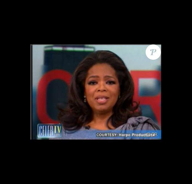Oprah Winfrey, émue, lorsqu'elle annonce qu'elle arrêtera son émission en 2011