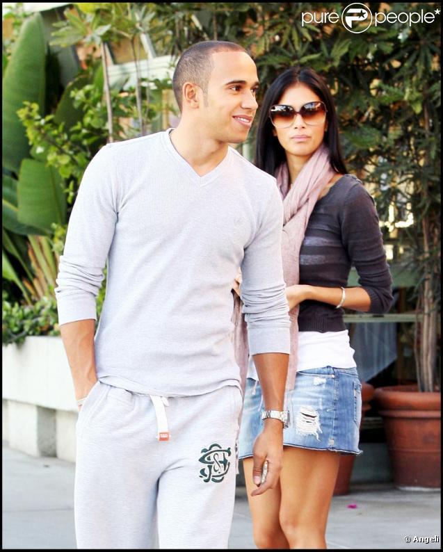 Le champion de F1 Lewis Hamilton et sa chérie Nicole Scherzinger des Pussycat Dolls ont déjeuné au restaurant Ivy Shore à Santa Monica ld 15 novembre 2009