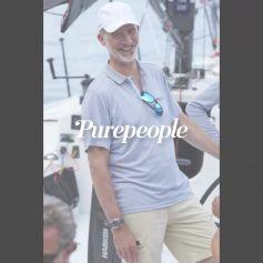 Felipe VI, vacances à la cool : le roi enfile baskets et casquette pour une virée en mer