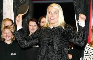 Mette-Marit de Norvège : une princesse... au look intrigant !